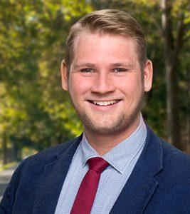 Portraitfoto von Florian Möntmann